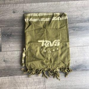 NWOT Olive green teva scarf
